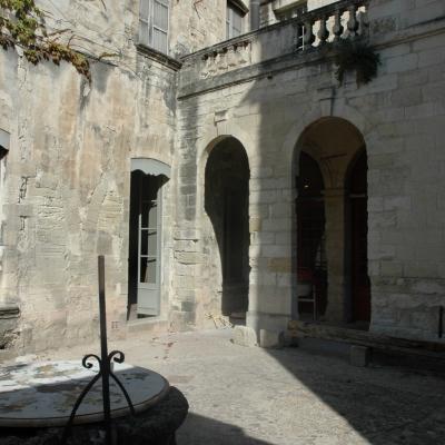 Cour de l'Ecole d'Avignon, Maison du Roi René.